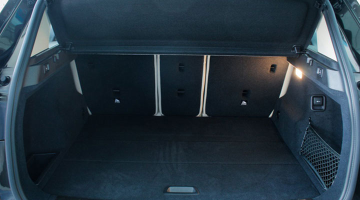 khoang hành lý luôn đủ rộng và rộng mở, thuận tiện cho bạn xếp hành lý vào trước mỗi chuyến đi