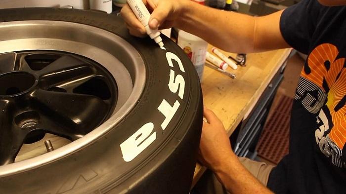 Bút sơn Sharpie trang trí lốp xe