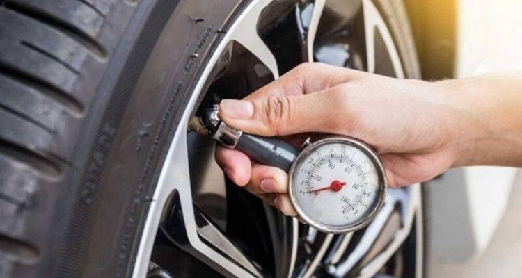 Bơm lốp xe xpander bao nhiêu kg là đủ