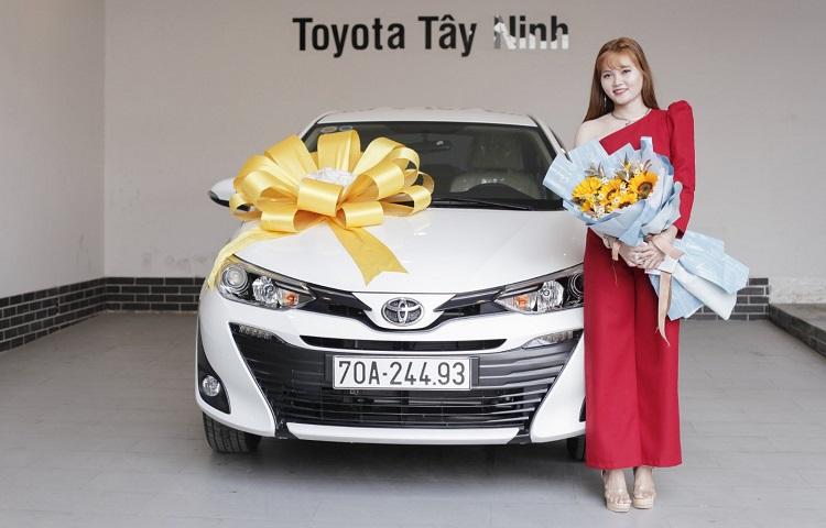 Gửi lời chúc khách hàng mua xe mới