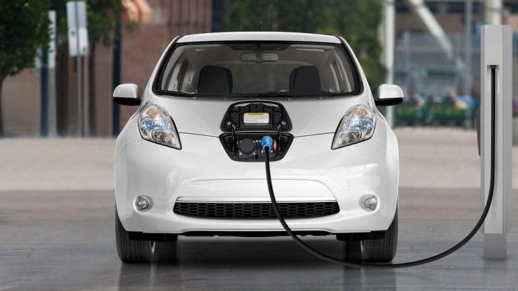 Xe điện sau khi sạc đầy có thể đi được 350-500km