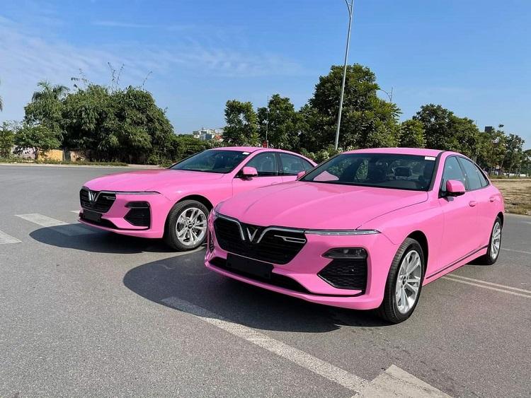 Sơn toàn bộ màu xe VInfast sang màu hồng